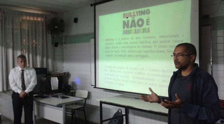 "Comissão OAB vai à escola ministra palestra sobre ""CyberBullying"""