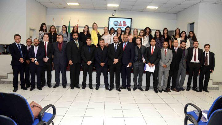OAB Contagem promove primeira entrega de carteiras de 2018