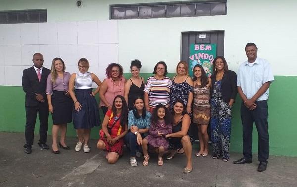 """Comissão """"OAB vai à Escola"""" trata de violência doméstica e Lei Maria da Penha em Escola do Município"""