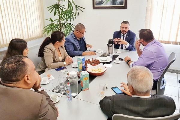 OAB Contagem recebe Diretor da Nelson Hungria